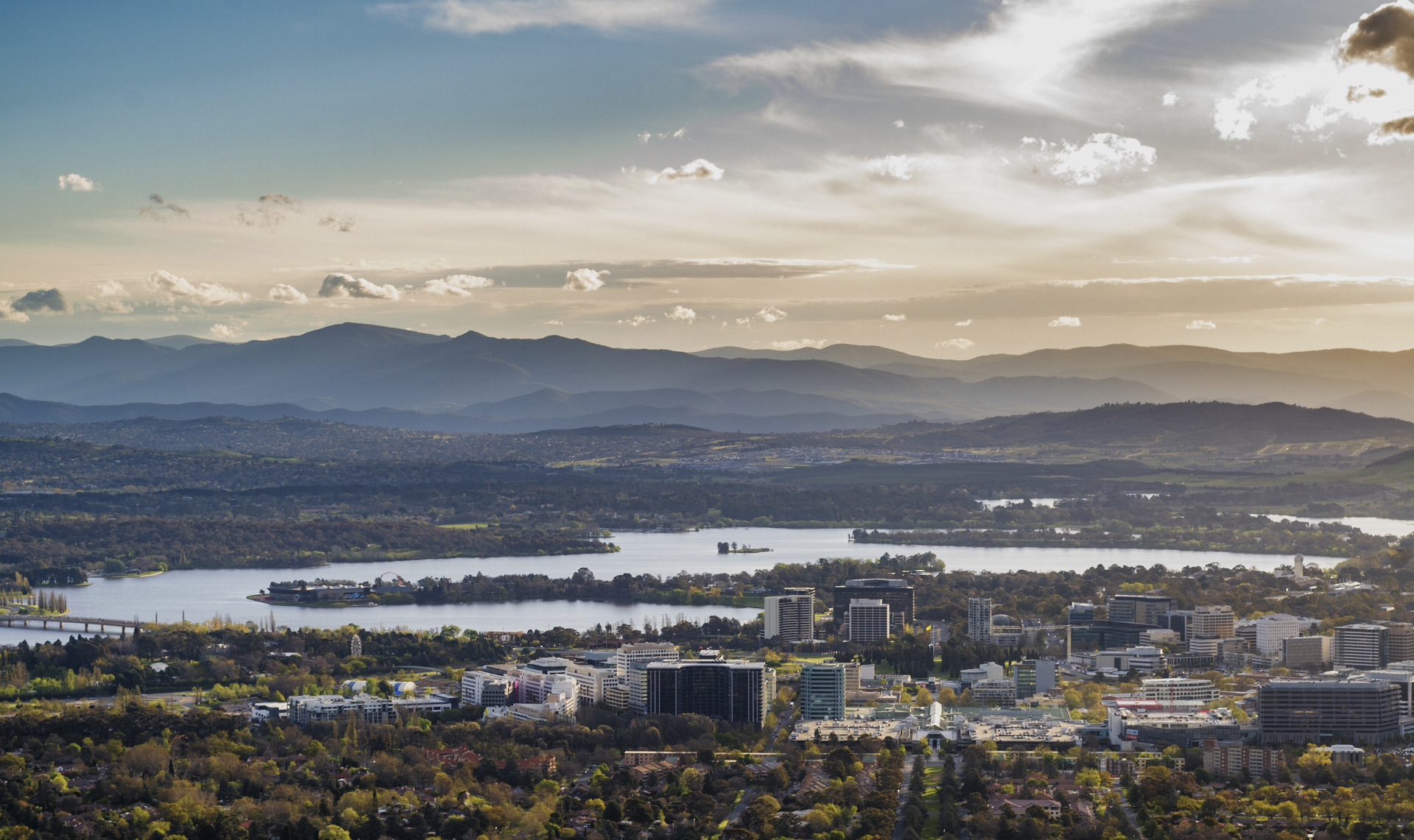 Buildings and roads in Canberra, Australian Capital Territory